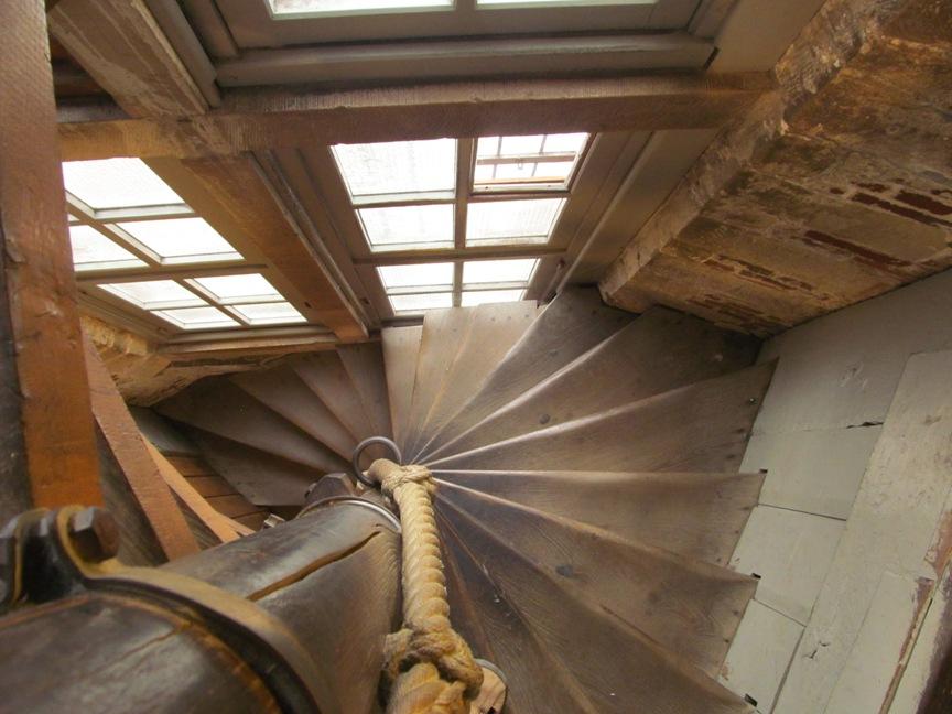 фото лестница на колокольню Белфорт