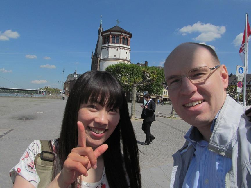 Пряников и девушка из Китая в Дюссельдорфе