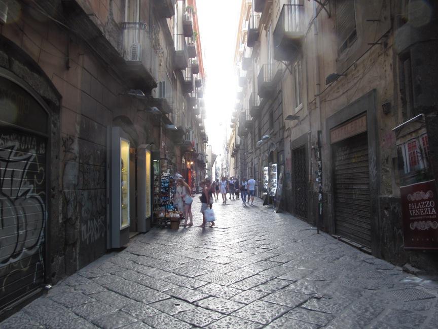 Фото улицы Неаполя