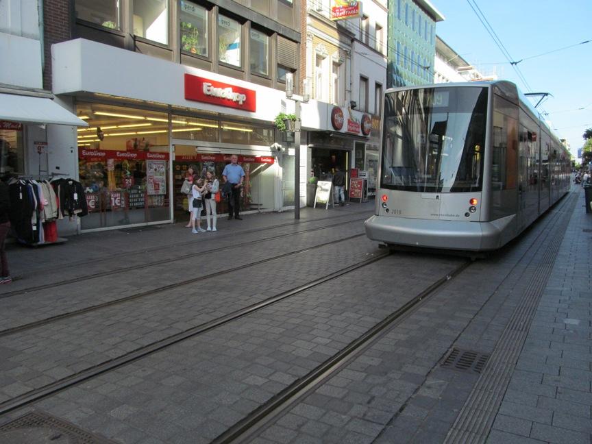 Фото 709 трамвая из Нойсса в Дюссельдорф