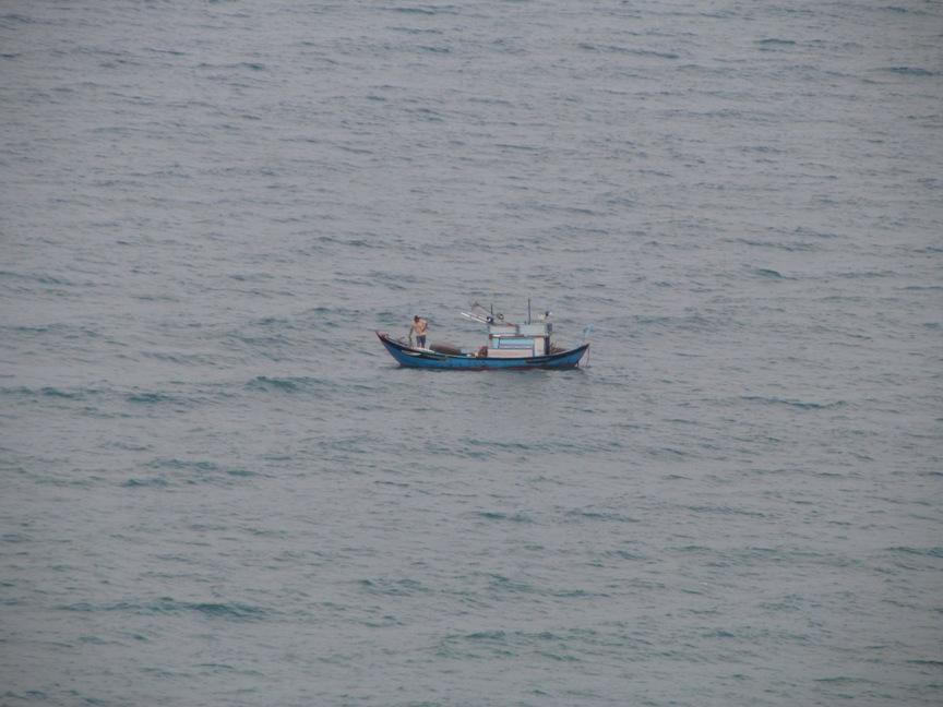 Фото шхуны в море, Нячанг