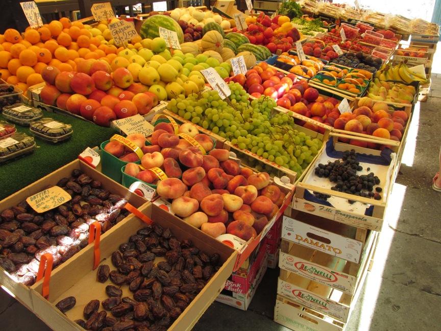 На фото рынок Венеции и цены