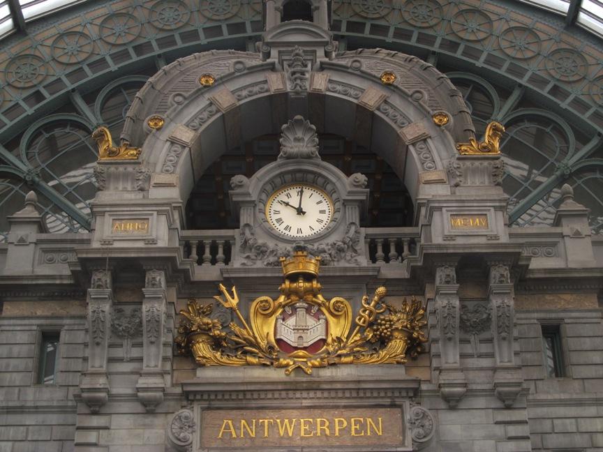 Железнодорожный вокзал Антверпена фото