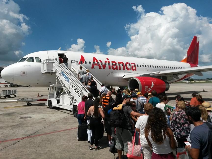 Самолёт Avianca Гавана - Лима фото