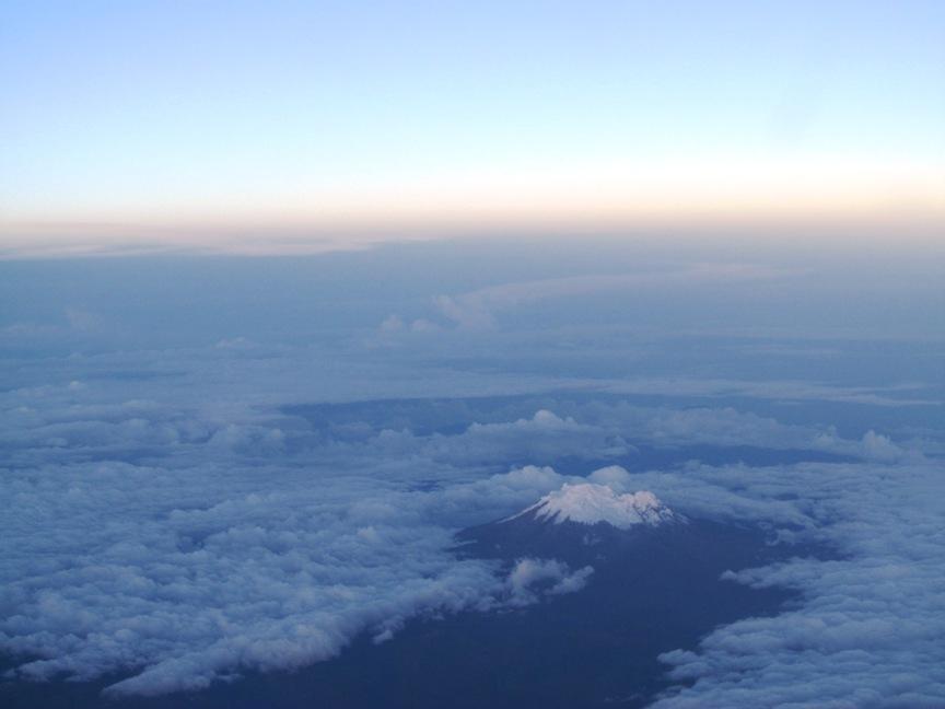 Вулкан Котопакси, Эквадор, фото из самолёта
