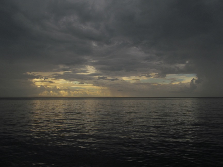 Закат над океаном в Гаване
