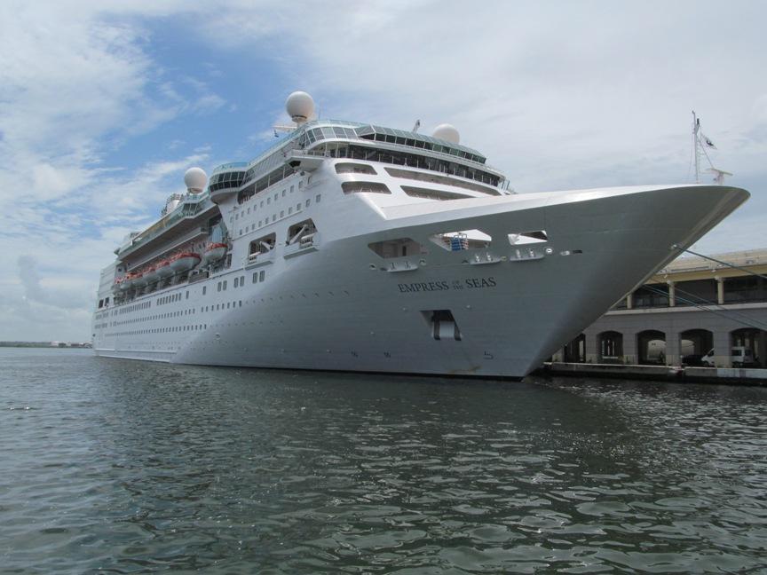 Круизный лайнер в Гаване
