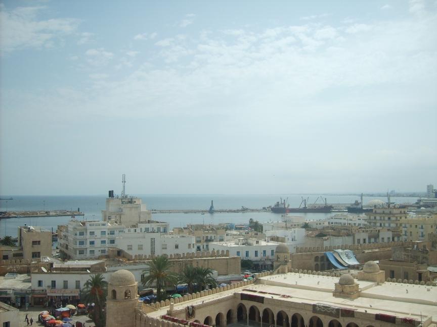На фото корабли и порт Сусса