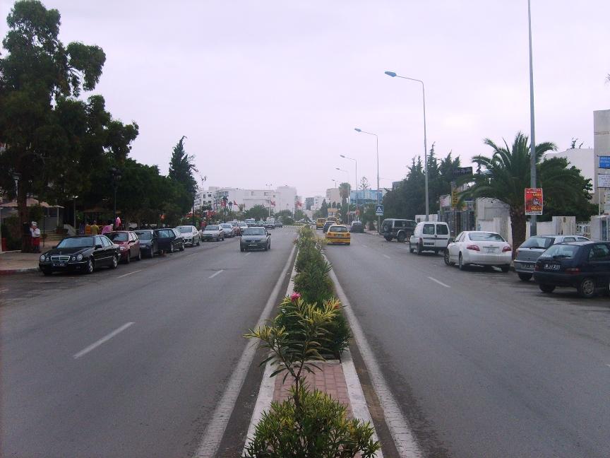 Путь в порт Эль Кантауи в Суссе