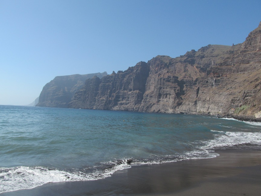 Скалы Лос-Гигантеса на Тенерифе