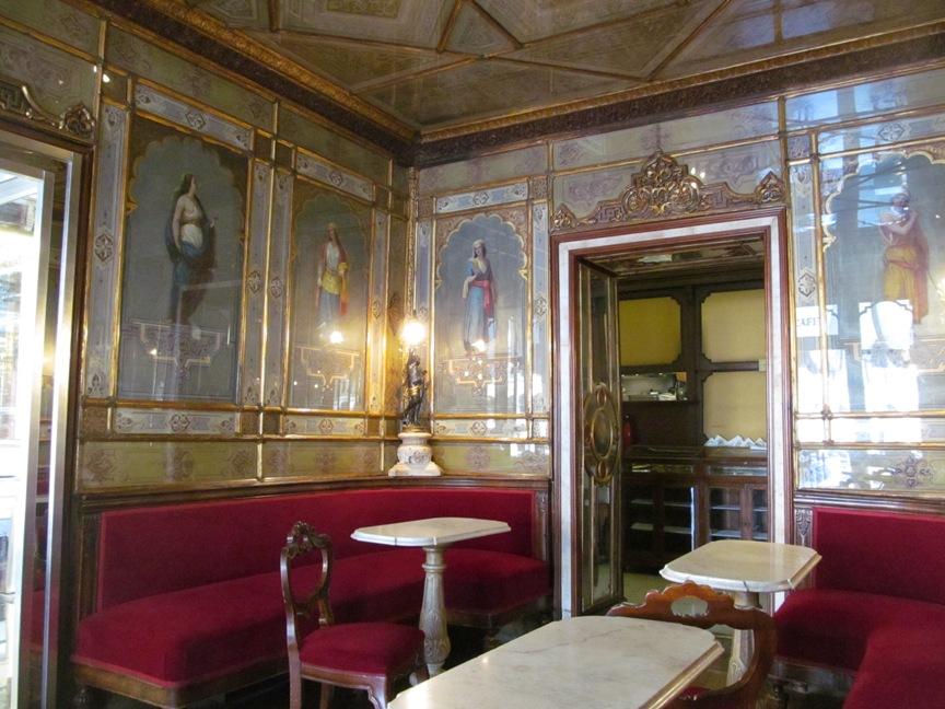 Интерьер Кафе Флориан в Венеции