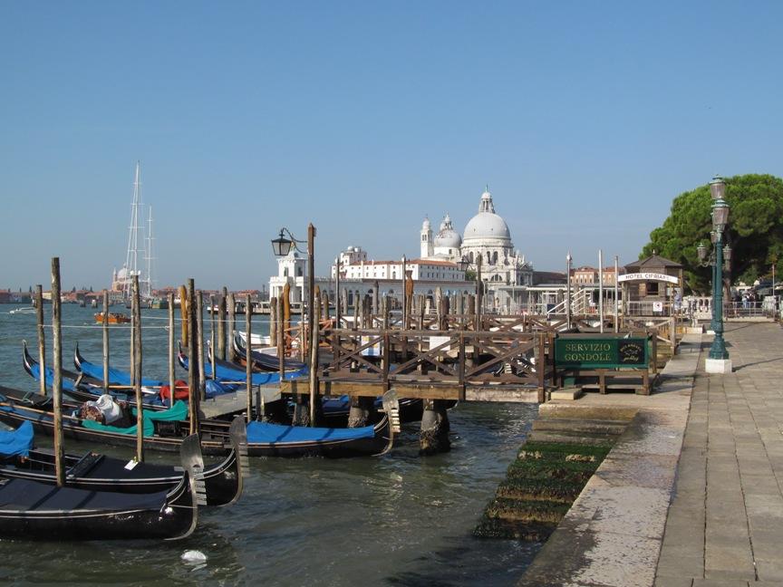 На фото Гранд Канал Венеции утром
