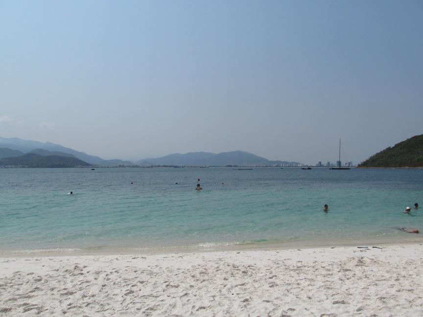 Фото с острова Винперл (VinPearl)