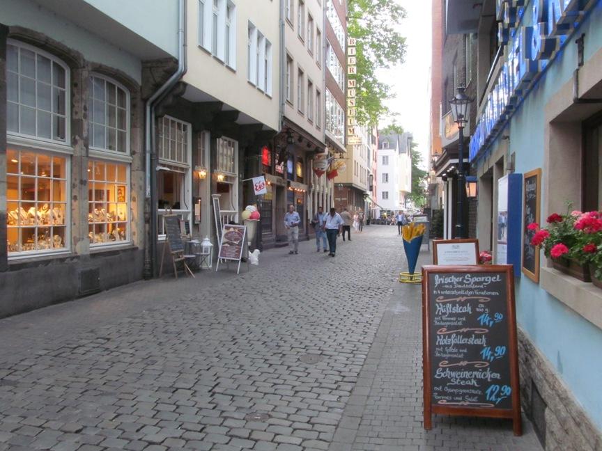 На фото центр Кёльна