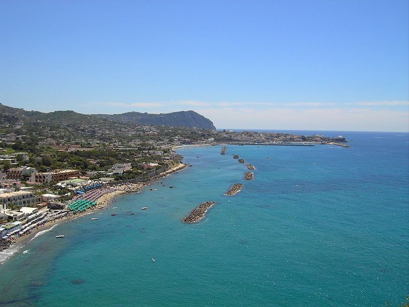 Пляж Chiaia в Форио фото