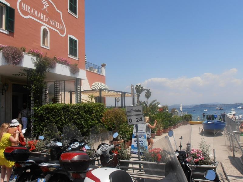 Пляж Мирамаре и Кастелло фото на Искье
