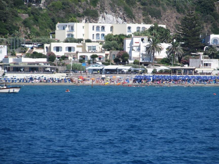 Пляж Сан-Франческо в Форио на Искье фото