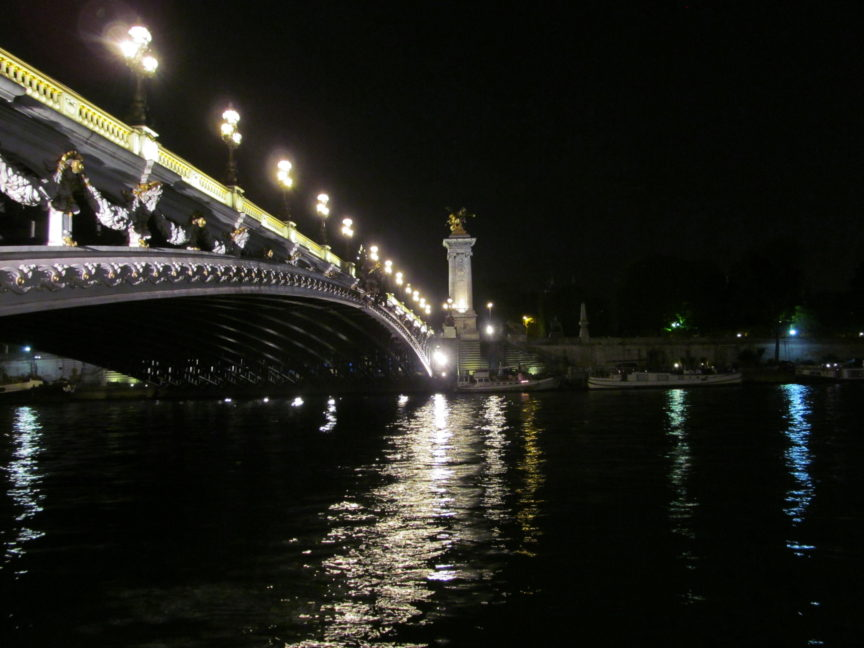 Мост Александра 3 в Париже ночью