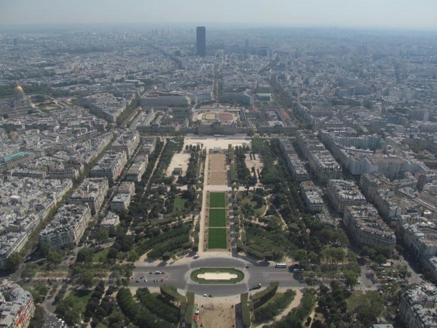 Елисейские поля фото с Эйфелевой башни