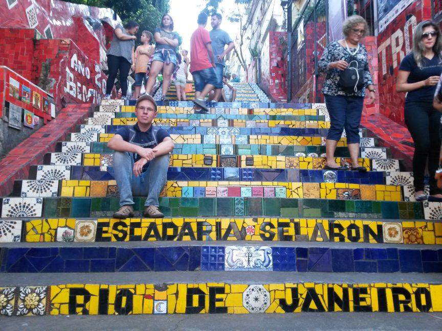 Пряников на лестнице Селарона в Рио-де-Жанейро