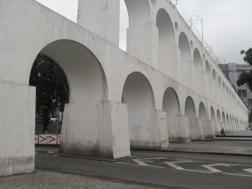 Акведук Кариока в Рио-де-Жанейро