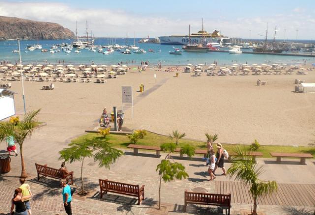 пляж тенерифе лос кристианос фото